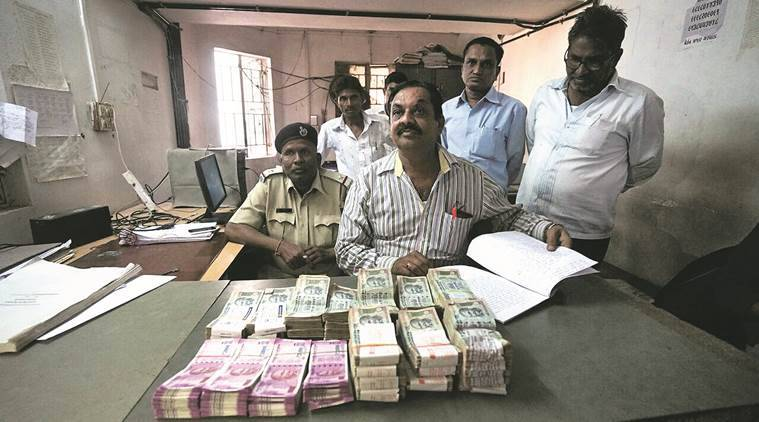 demonetisation, gujarat, gujarat news, vadodara, vadodara news, fake notes, gujarat police, fake notes gujarat, bjp gujarat, congress gujarat, 500 note ban, 1000 note ban, currency ban, modi, indian express, india news