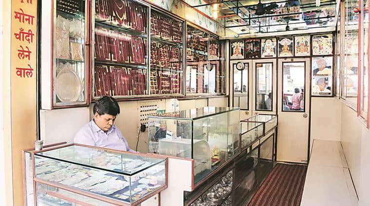 mumbai police, indian express, mumbai silver stone theft, mumbai crime, manish jain, south mumbai, mumbai jewellery theft