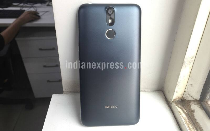 Intex, Intex aqua S7, intex aqua s7 review, aqua s7 specs, intex aqua S7 features, intex aqua S7 camera, intex aqua s7 detailed review, aqua s7 hands on review, budget smartphone, intex smartphones, xiaomi, samsung, motorola, smartphone, technology, technology news