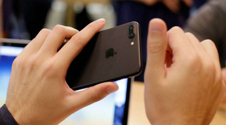 Apple, iPhone, iPhone 8, iPhone 8 wireless charging, iPhone 8 rumours, iPhone 8 oled display, iPhone 8 launch, iphone 8 features, iphone 8 display, iphone 8 aluminium, iphone 7, iphone 7 plus, iphone 8 specs, smartphone, ios, technology, technology news