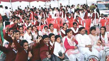 Jalandhar: School, college students brought in to fill empty chairs at deputy CM show