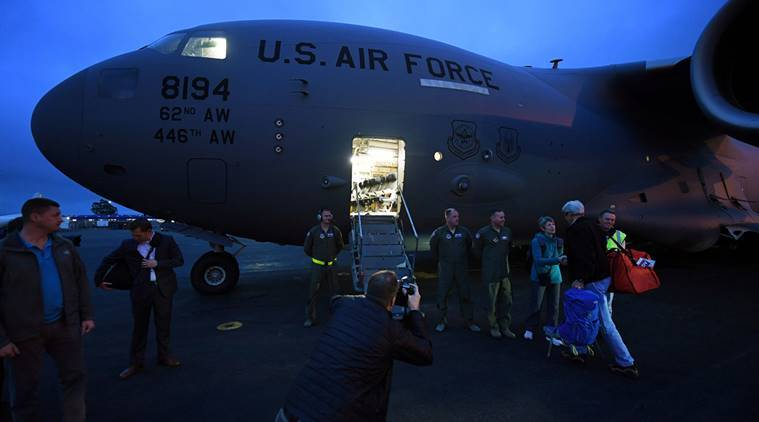 U.S. Secretary of State John Kerry prepares to board his US Air Force C-17 flight to Antarctica at Christchurch International Airport, New Zealand November 11, 2016. REUTERS/Mark Ralston/Pool