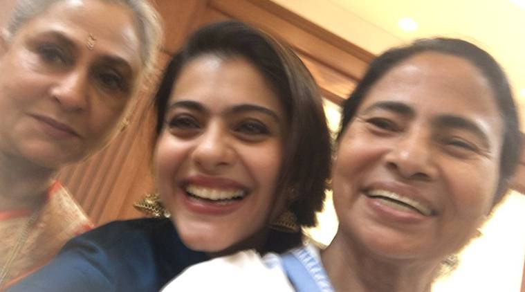 Kajol, Jaya Bachchan, Mamata Banerjee, kajol mamata, kajol selfie with mamata, kajol actress, kajol news, kajol movies, Kolkata International Film Festival, kiff, Kolkata International Film Festival news, kajol jaya bhadhuri, entertainment news, indian express, indian express news