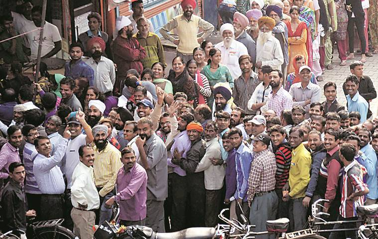 Demonetisation, Ludhiana, Ludhiana news, Punjab, Punjab news, queues, India news, national news, Indian Express news