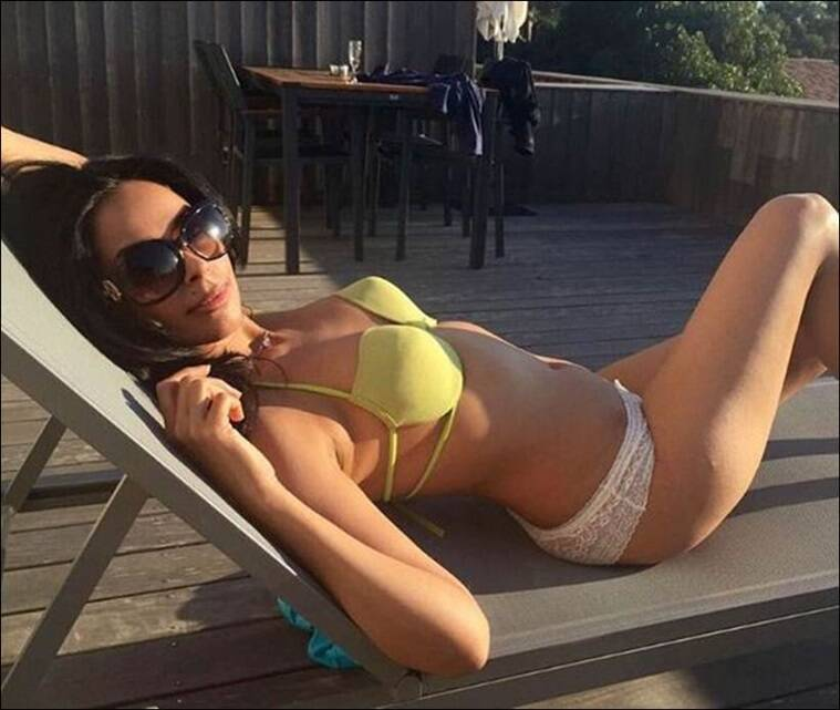 Little malika sherawat bikini pics best choise....Look