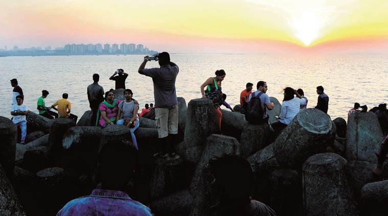 The advent of camera phones has hit photographers hard at Marine Drive.  Ganesh Shirsekar