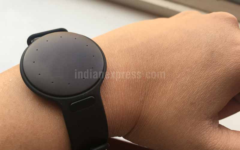 Misfit Shine 2, Misfit, Misfit wearables, Misfit Shine 2 review, Misfit Shine 2 full review, Misfit Shine 2 specs, Misfit Shine 2 features, Misfit Shine 2 India, Misift Amazon, Misfit Amazon India