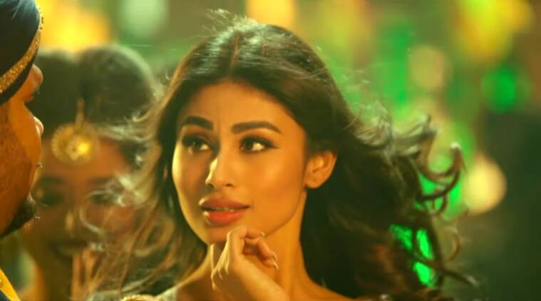 Mouni Roy latest song, Mouni Roy bollywood debut, mouni roy dance challenge, Mouni Roy Remo D'Souza dance challenge, mouni roy sriti jha, mouni roy sanjeeda sheikh, mouni roy twitter, mouni roy tum bin 2, mouni roy Nachna Aunda Nahi, Mouni Roy news, Mouni Roy updates, Mouni Roy Naagin, television news, television updates, entertainment news, indian express news, indian express