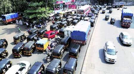 mumbai, mumbai traffic, akurli road traffic, kandivli traffic, kandivli mess, kandivli jam, akurli road, kandivli, mumbai news, indian express news