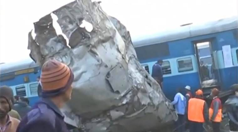 patna indore express, train derails, train accident, kanpur, train accident helpline, train accident today, derailment, train derailment, patna train derailed, india news, indian express