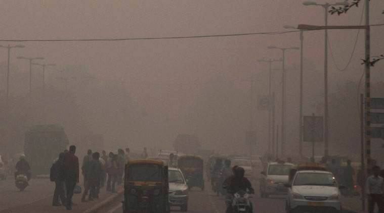 delhi pollution, delhi pollution news, smog, smog in delhi, arvind kejriwal, manish sisodia, delhi government, delhi pollution measures, delhi pollution index, delhi pollution data, delhi pollution health, air pollution, air pollution in india, india news, indian express,