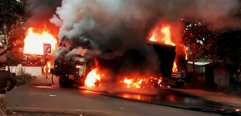 Locals in Shahjahanpur district torch bus after it hits mosque structure