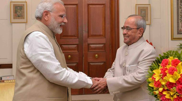narendra modi, pranab mukherjee, demonetisation, old currency notes, aftermath of demonetisation, modi pranab meeting