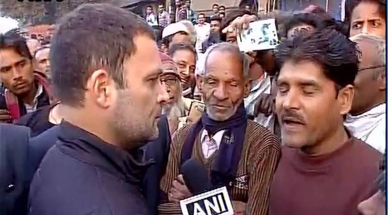 Rahul gandhi visits delhi atm speaks to people