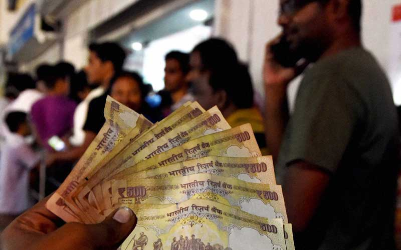 Demonetisation, Rs 500 notes, Mobile recharge with old notes, Mobile recharge Old Rs 500 notes, Exchange of old Rs 500 notes stopped, Rs 500 old notes, Rs 500 old notes stopped, Rs 500 old notes mobile recharge, Mobile prepaid recharge, Prepaid recharge, Prepaid recharge Rs 500, smartphones, technology, technology news