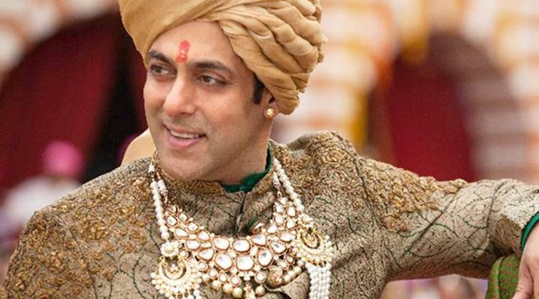 Salman Khan had announced that he would be getting married on November 18.  And today is the day.