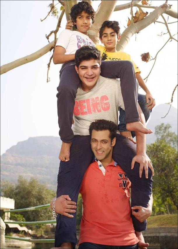 Salman Khan, Salman Khan children days pics, Salman Khan nephews, Salman nephews pics