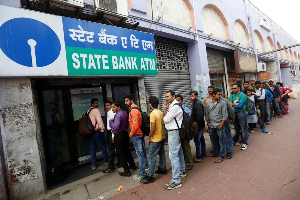 SBI, state bank of india, demonetisation, SBI card, SBI card delivery, SBI card limit, SBI cash limit, SBI bank deposit, demonetisation news, cash crunch, business news, indian express, india news