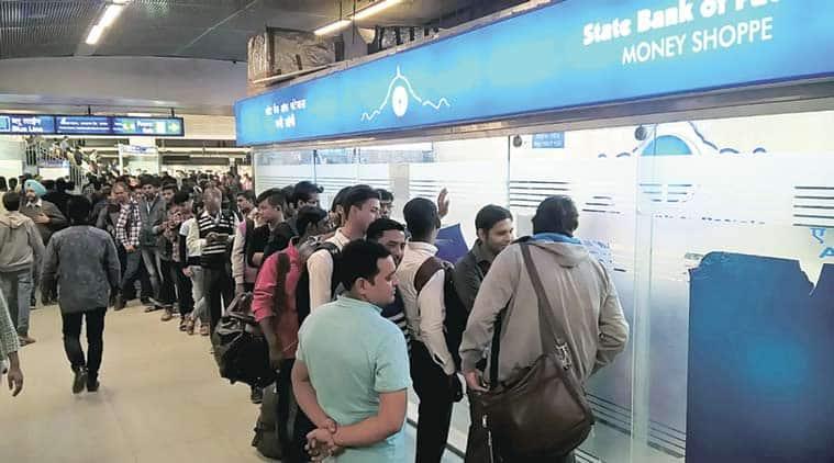 Delhi metro, Delhi cash, Delhi cash crumnch, Delhi metro, Delhi metro atms, delhi metro working atm, metro working atm, delhi news