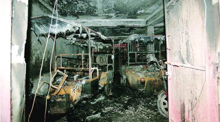 Shahdara fire, Delhi fire, E rickshaws, e ricks, shahdara building fire, delhi, india news, indian express