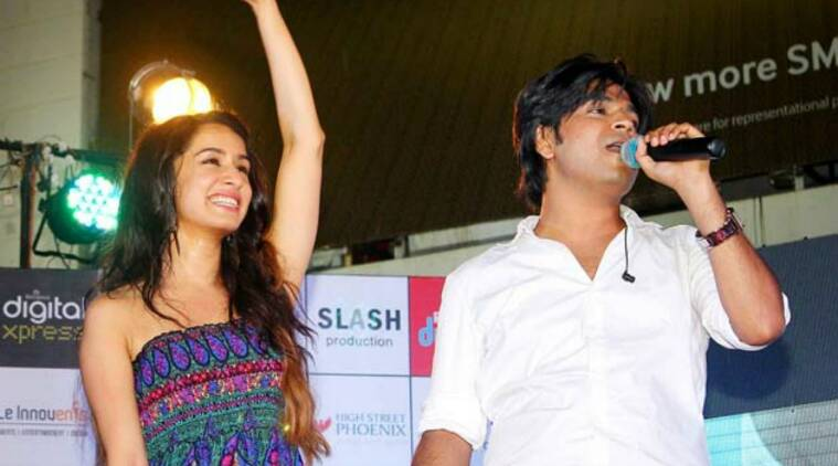 shraddha kapoor, shraddha kapoor ankit tiwari, shraddha kapoor singer, shraddha kapoor rock on 2, ankit tiwari, teri galliyan song, shraddha kapoor ek villain, shraddha kapoor actor singer, ankit tiwari interview, bollywood news, indian express, indian express news