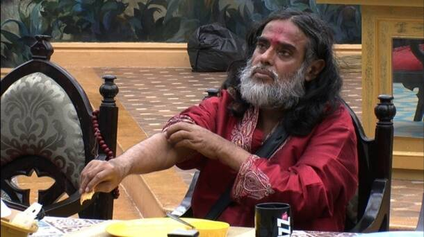 Bigg Boss 10 highlights, bigg boss 10 yesterday episode, swami om non vegetarian food, swami om eats meat bigg boss 10