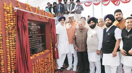Vote for SAD, get new notes by trucks for development: Sukhbir Badal