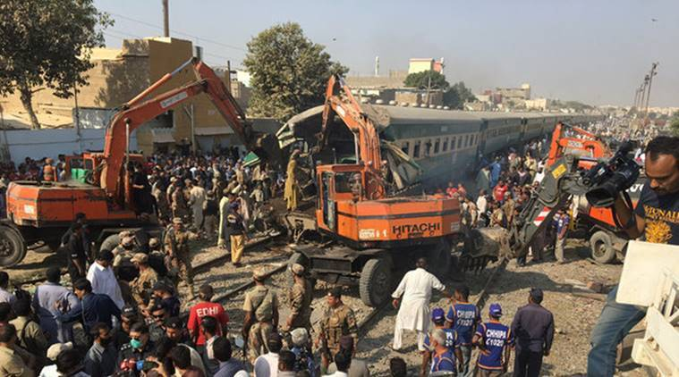 pakistan train collision, karachi train collision, pakistan train accident, karachi train accident, collision death karachi, collision death pakistan