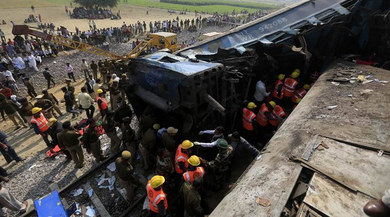 indore patna express, patna indore express, train accident, indore patna train accident, indore patna express accident, indore train derailed, train accident in up, kanpur train accident, train accident kanpur, india news