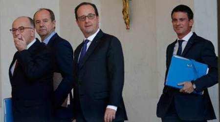 French PM Manuel Valls keeps open option of challenge to Francois Hollande