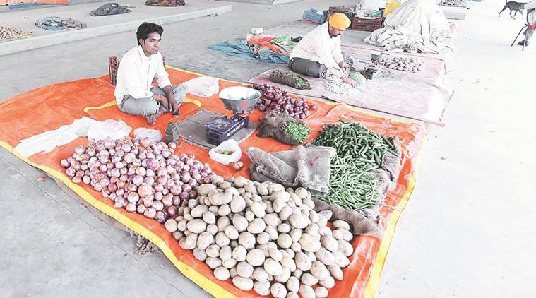 Vegetable sellers, small traders come over to e-payment | India News