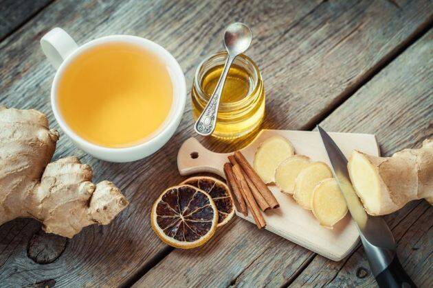 winter foods, foods that keep you naturally warm, naturally warm foods, warm foods, winter food diet, winter diet, ginger, garlic, honey, cinnamon, nuts, turmeric, indian express, indian express news