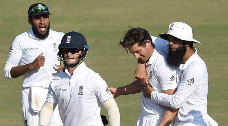England in seam-bowling dilemma for Vizag Test