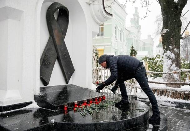 World AIDS Day: People across the world come together to spread love and HIV/AIDS awareness