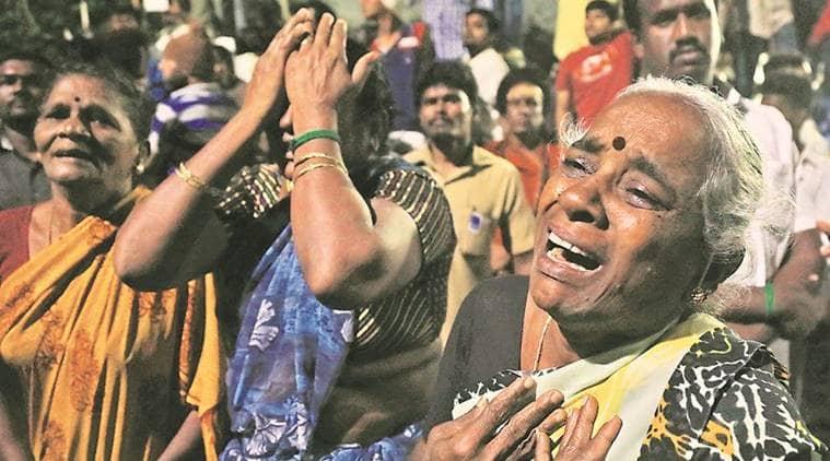 jayalalithaa, jayalalithaa death, jayalalithaa dies, jayalalithaa funeral, jayalalithaa last journey, marina, apollo hospitals, jayalalithaa heart attack, jayalalithaa passes away, jayalalithaa cardiac arrest, india news, indian express