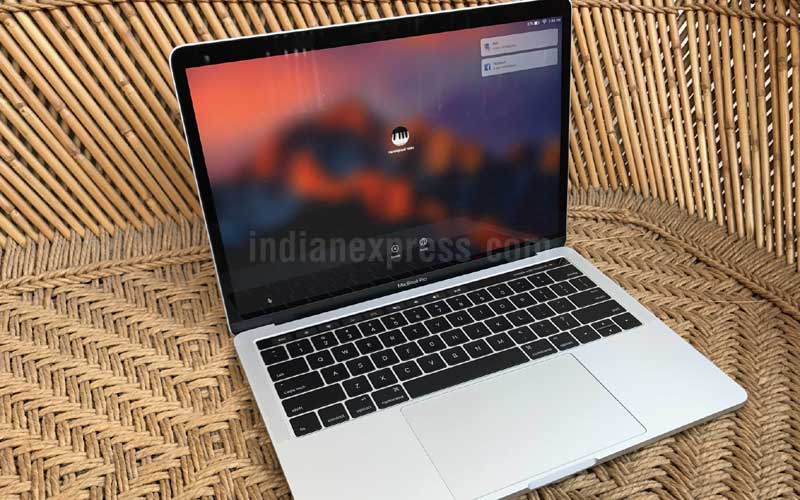 Apple, Apple MacBook Pro 2016, MacBook Pro 2016, MacBook Pro 2016 review, MacBook Pro 2016 price, MacBook Pro 2016 specifications, MacBook Pro 2016 India price, MacBook Pro 2016 India features, MacBook Pro 2016 battery problem, MacBook Pro 2016 battery, laptops, technology, technology news