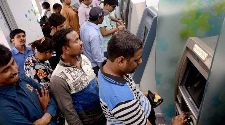 cash, cash crunch, bank holiday. bank holiday dates. banks with cash, banks with cash mumbai, india bank holidays, india news