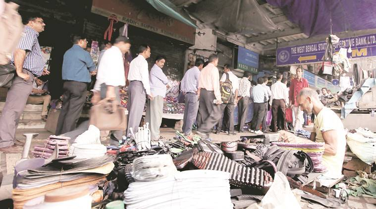 Demonetisation, salary day, bank rush, bank account open, pay day rush, west bengal demonetisation, uttar pradesh demonetisation, atm rush, no money, no cash, cash crunch, indian express news, india news