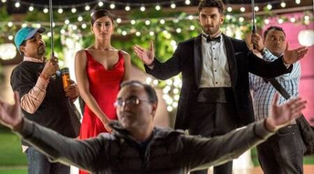 Befikre, Befikre movie, Befikre collection, Befikre box office, Befikre box office collection day 3, Befikre box office collection day three, Befikre movie collection, Befikre movie total collection, Befikre box office, aditya chopra, ranveer singh, vaani kapoor, ranveer singh befikre, befikre ranveer singh, vaani kapoor befikre, befikre vaani kapoor, dear zindagi, kahaani 2, dhruva, shah rukh khan, alia bhatt, entertainment news, indian express, indian express news