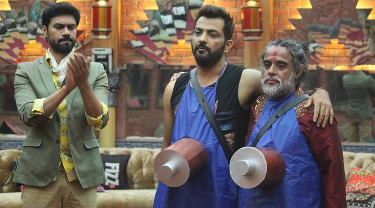 Bigg boss 10 preview, Bigg boss 10 tonight episode, family app task, manveer meets father, manveer cries, manveer emotional, nitibha mother, lopamudra sister, bani gauhar, bani meets gauhar Bigg boss 10, Bigg boss 10 news, Bigg boss 10 updates, television news, television updates, entertainment news, indian express news, indian express