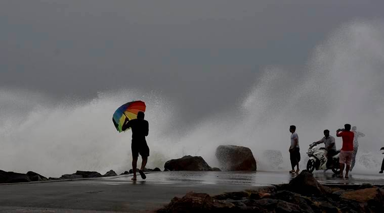 cyclone vardah, vardah, cyclone tamil nadu, cyclone in tamil nadu, rainfall in tamil nadu, cyclone in andhra pradesh, cyclone precautions in tamil nadu, India news, Indian Express