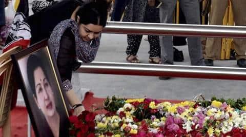 Jayalalithaa, Jayalalithaa death, Jayalalithaa successor, deepa jayakumar, jayalaltihaa niece, J Jayalalithaa, J jayalalithaa niece, Deepa Jayakumar, Jayalalithaa Deepa, AIADMK, Deepa Jayakumar AIADMK