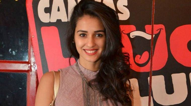 What Delhi University Boys Are Worshipping Disha Patani For This Weird Valentines -3375