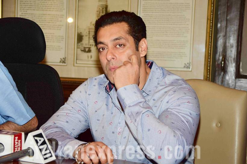 Salman Khan, Salman Khan news, Salman Khan bmc, bmc Salman Khan, Salman Khan pics, Salman Khan images, Salman Khan photos, Salman Khan Aditya Thackeray, Aditya Thackeray salman khan, alvira khan, salman alivira, entertainment photos, indian express, indian express news