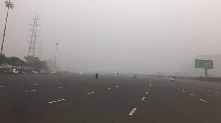 fog, trains delayed, delhi fog, delhi trains delayed, delhi weather, delhi temperature, delhi weather update