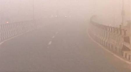 Cold wave intensifies in Himachal Pradesh, thick fog engulfs towns