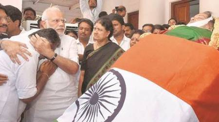 Jayalalithaa funeral: President, PM, CMs, Opposition; death blurs the political divide