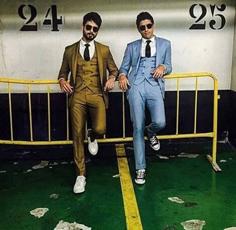 Shahid Kapoor (L) and Farhan Akhtar in bright, peppy suits. (Source: Instagram)