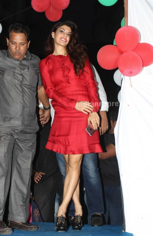 kareena kapoor khan, priyanka chopra, malaika arora khan, karisma kapoor, amrita arora, soha ali khan, neha dhupia, celeb style, celeb fashion, bollywood fashion
