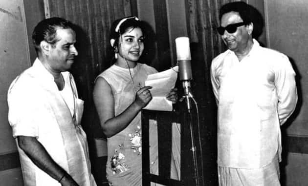 Jayalalithaa tamil films, Jayalalithaa number of movies, Jayalalithaa co-stars, Jayalalithaa heroes, Jayalalithaa early life